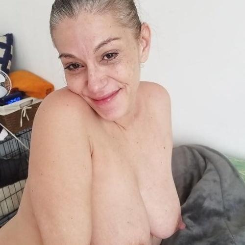 Small tits big nippels