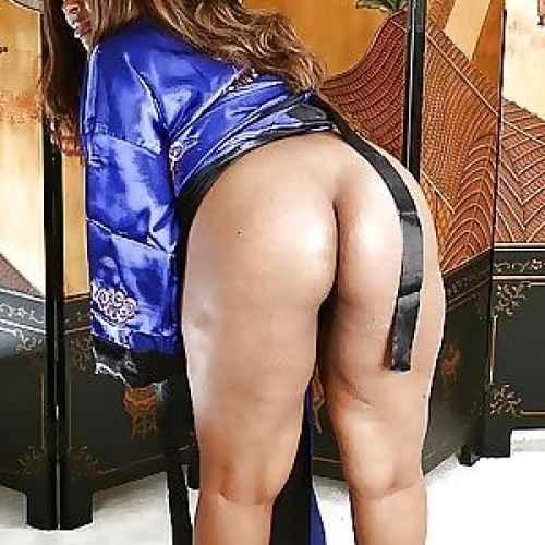 Ebony mature nude pic
