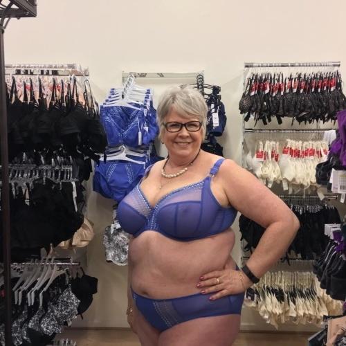 Lady mature anal