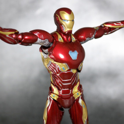 Iron Man (S.H.Figuarts) - Page 16 UHWEYFxl_t
