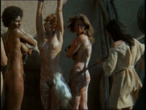 Pam Grier / Margaret Markov / others / The Arena / nude / topless / (US 1973)  TgkoGdpC_t