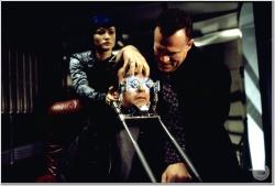 Шестой день / The 6th Day (Арнольд Шварценеггер, Майкл Рапапорт, Тони Голдуин, 2000) EeFEKZG4_t