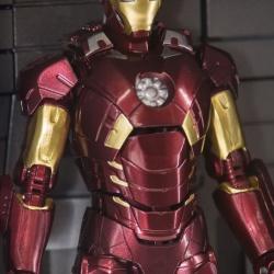 Iron Man (S.H.Figuarts) - Page 15 FYkxD4AL_t