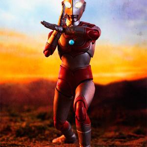 Ultraman (S.H. Figuarts / Bandai) - Page 5 J9uKrUjf_t
