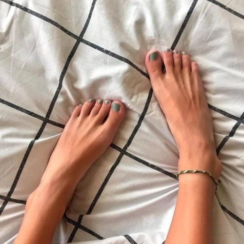 Teacher foot fetish