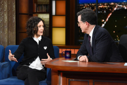 Sara Gilbert - The Late Show with Stephen Colbert: March 26th 2018