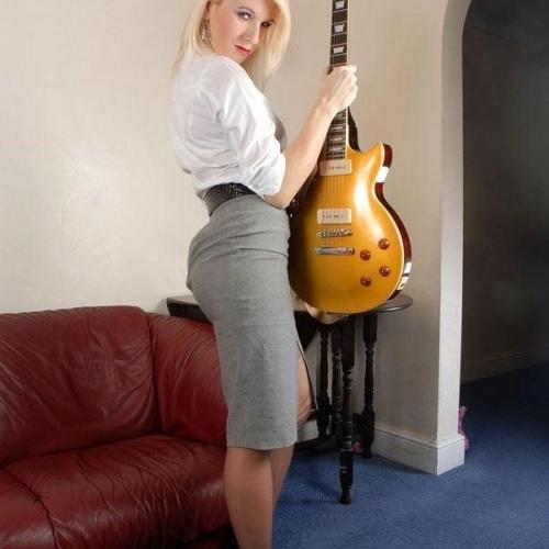 Genuine leather pencil skirt